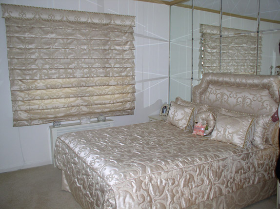 Roman-shade-with-matching-bedspread,-pillows-and-headboard.jpg