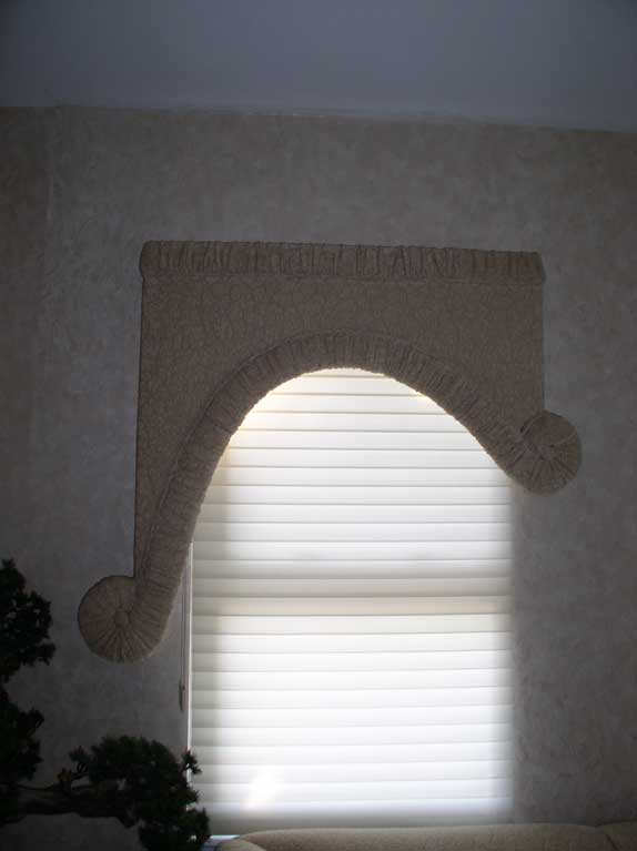 Faux-painting-with-silhouette-and-custom-cornice-board-2.jpg